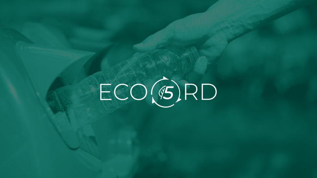Imagen de reciclaje con el logo de Eco5RD